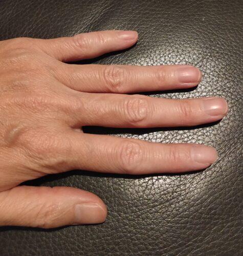 深爪ではない爪